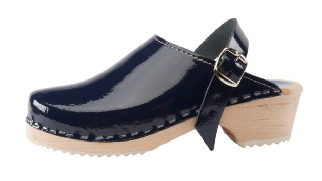 http://capeclogs.com/wp-content/uploads/2014/11/Navy_Patent-628x353.jpg